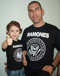 PACK CAMISETAS THE RAMONES PADRE Y ROCKILL@